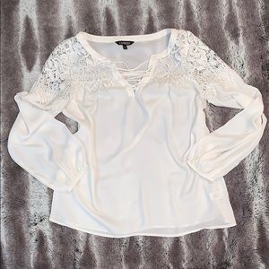 White blouse with off the shoulder lace